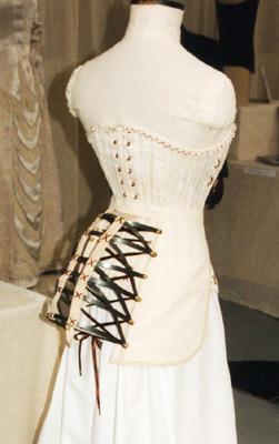 corset&bustle